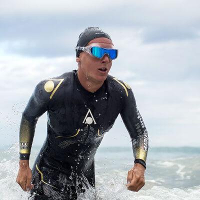 zzz-aqua-sphere-wetsuit-lifestyle-phantom-vista-pro